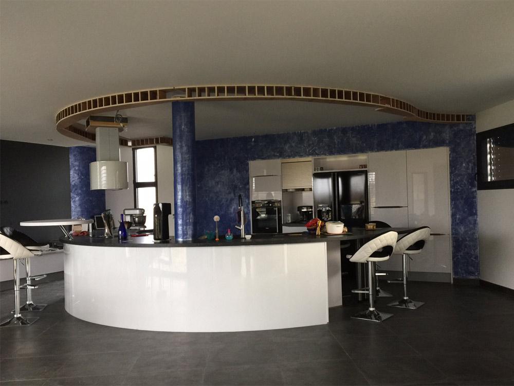 Plafond tendu en relief délimitation du bar
