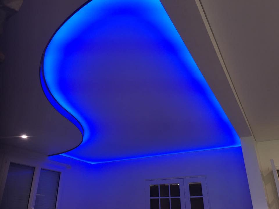 Plafond 3D éclairé avec variateur de couleur